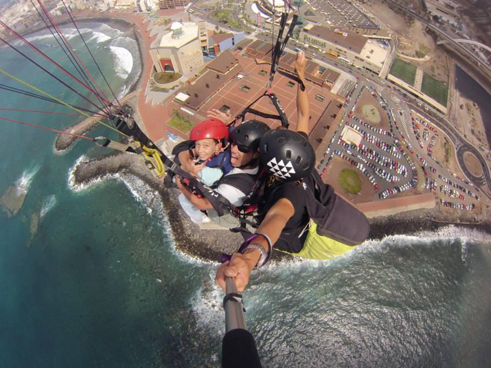 Tri tandem paraglider