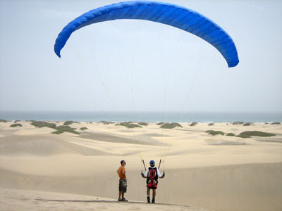 Kiting in playa del ingles and maspalomas, the best place in the world for gorund handling